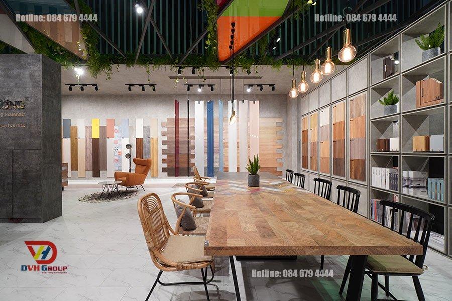 Thiết kế nội thất showroom cửa hàng tại quận 5 - Vật liệu gỗ