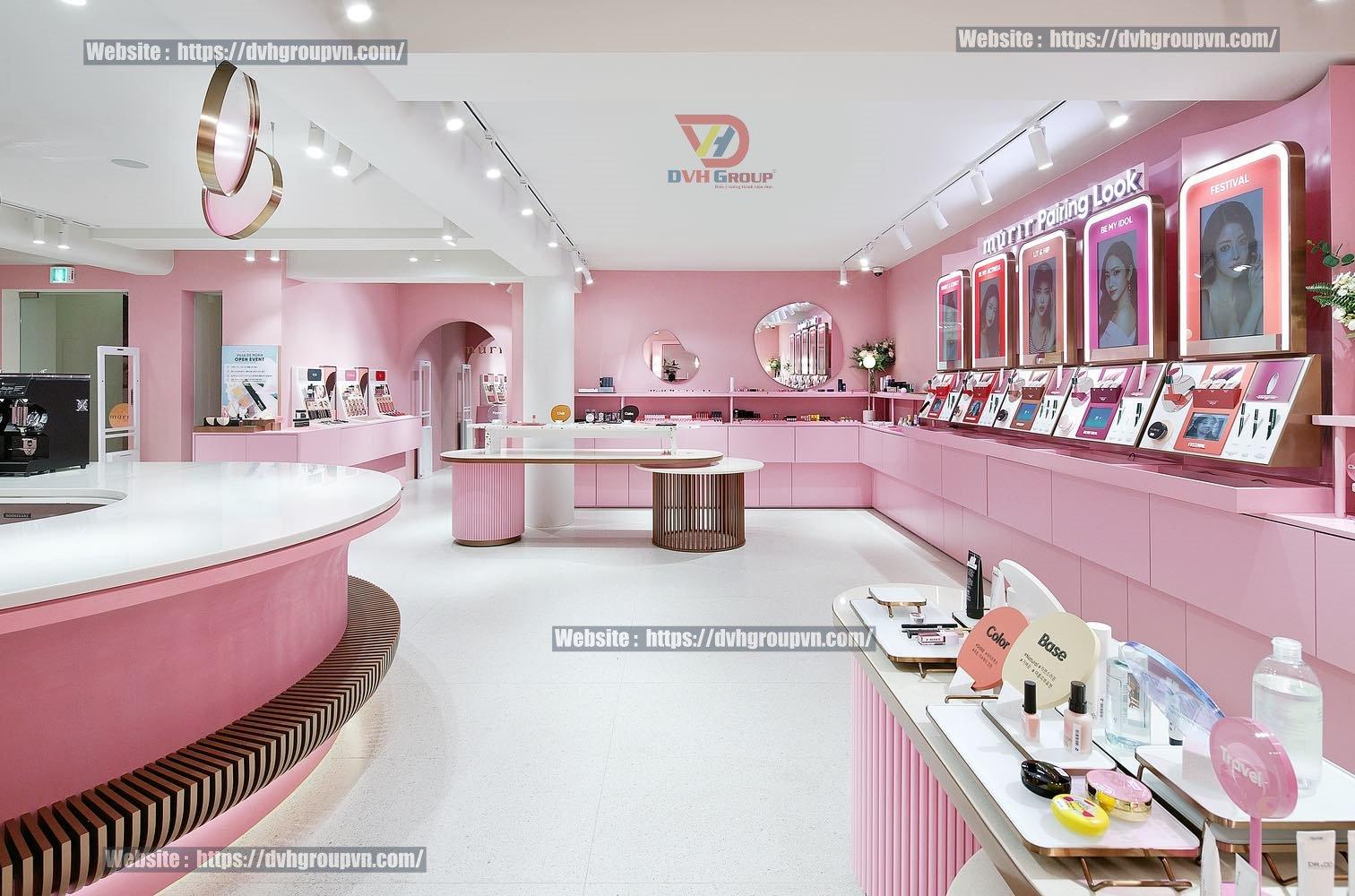 Mẫu thiết kế nội thất showroom mỹ phẩm với gam màu hồng
