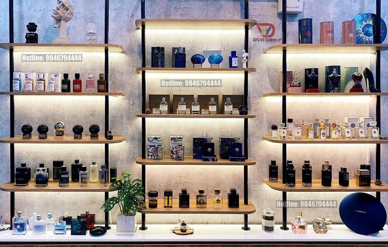 Thiết kế nội thất showroom nước hoa - Kệ sắt