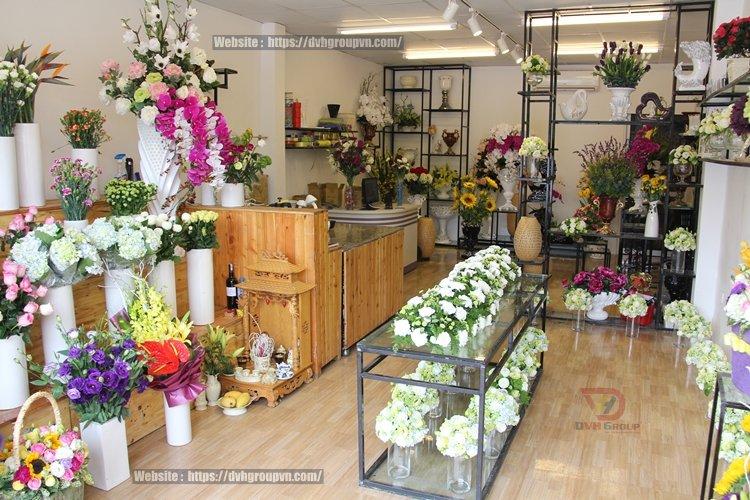 Thiết kế nội thất showroom cửa hàng tại Dĩ An