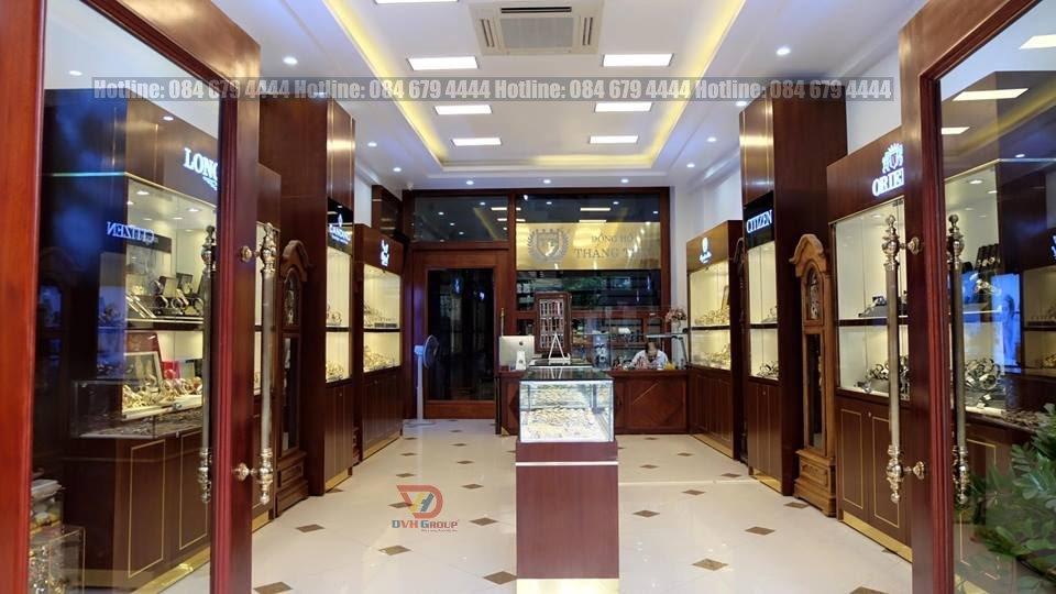 Cách trang trí tủ kệ trưng bày trong showroom cửa hàng đồng hồ